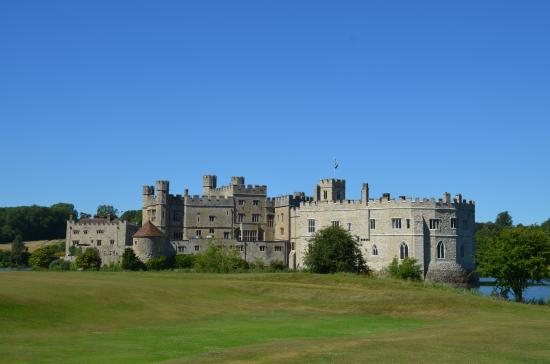 how to get to leeds castle