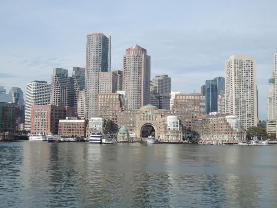 ฮัล, แมสซาชูเซตส์: view from the ferry arriving in Boston
