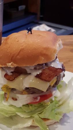 Hazel Green, Wisconsin: Gangster Burger complete!