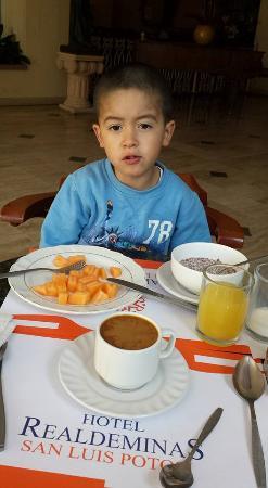 Real de Minas de San Luis : Desayunando
