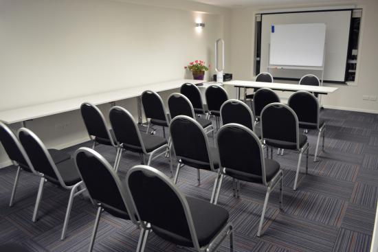 Quality Hotel The Ambassador: Clarion Boardroom