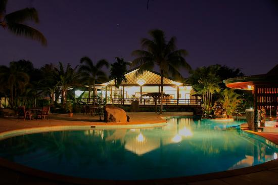 Swim under the stars Amoa Resort Savaii