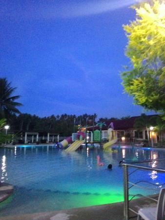 Poolside love