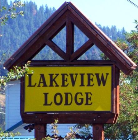 Harrison, ID: Lakeview Lodge sign