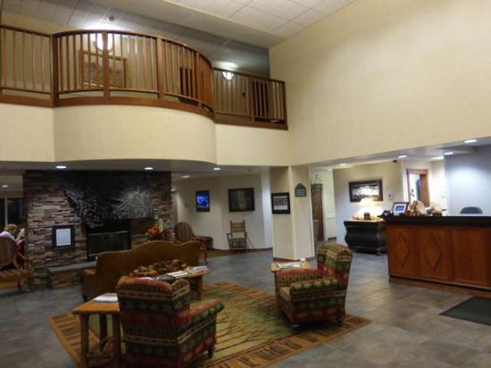 Wingate by Wyndham Missoula Airport: The lobby is very attractive
