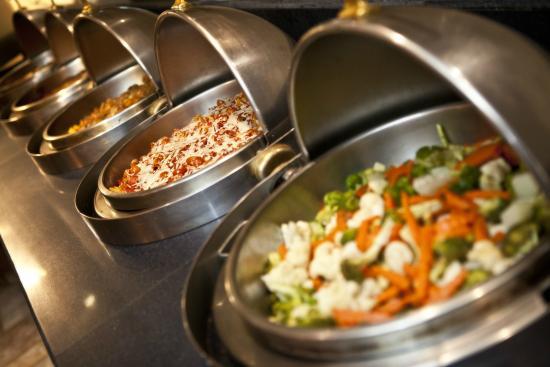 Restaurant & Lounge MAIN: Buffet