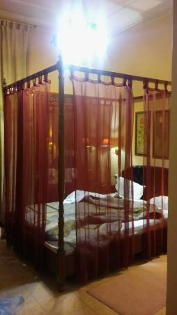 Exis Boutique Hotel: 20151109_210611_large.jpg