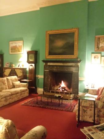 Riverstown, İrlanda: Parlor for tea and before and after dinner socializing