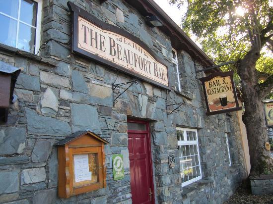 Beaufort Lodge: Beaufort town restaurant