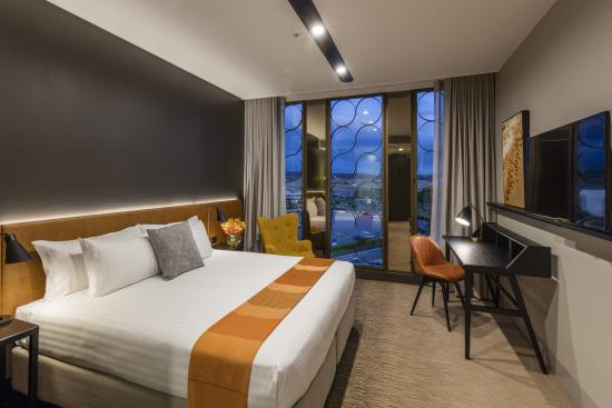 vibe hotel canberra airport now 71 was 1 0 1. Black Bedroom Furniture Sets. Home Design Ideas