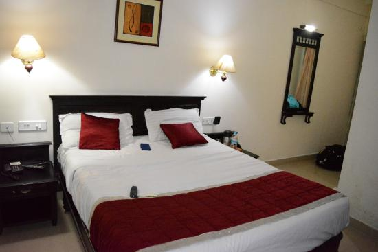 Bellmount Resorts: nice cosy room