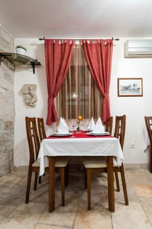 Villa Sv. Petar: Breakfast