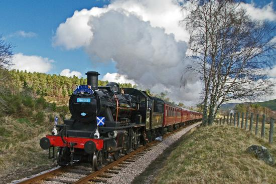 Dulnain Bridge, UK: Steamin'Vintage Tour Packages