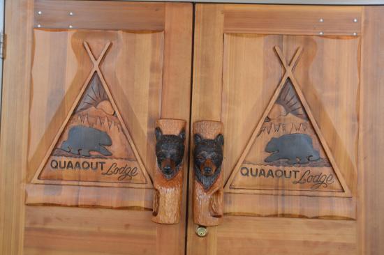 Quaaout Lodge & Spa at Talking Rock Golf Resort: porta ingresso