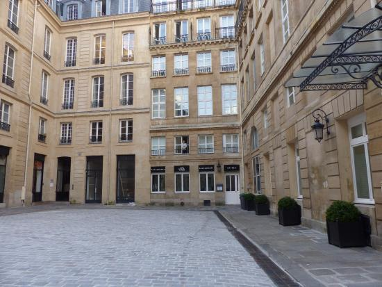 The shower in room 107 picture of grand hotel du palais royal paris tripadvisor - Grand hotel palais royal ...