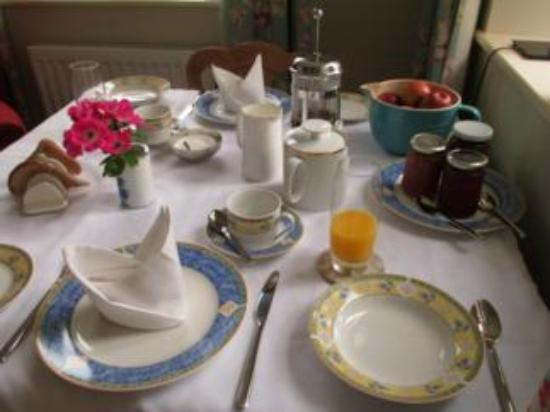 Threshfield, UK: Breakfast table
