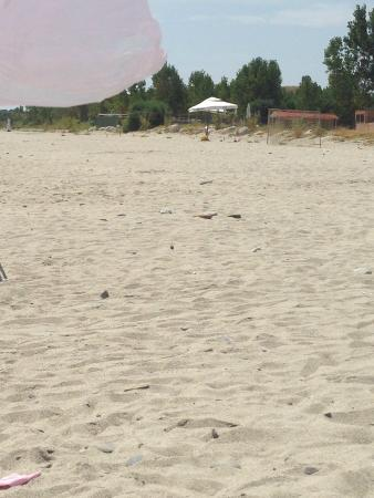 Santa Caterina dello Ionio, Italia: Spiaggia attrezzata o abbandonata?