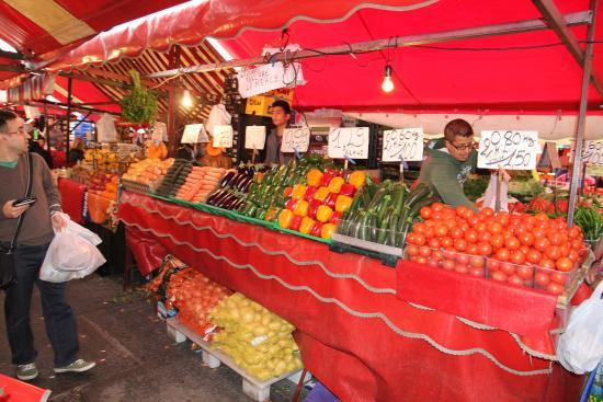 Mercato centrale foto di mercato di porta palazzo - Mercato coperto porta palazzo orari ...