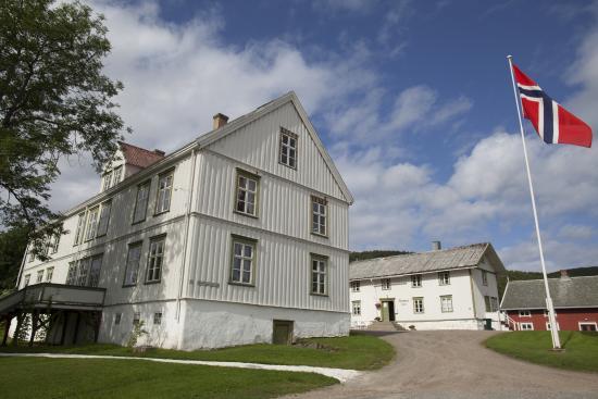 Melbu, Norveška: Melbo Hovedgård