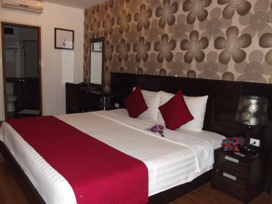 Hanoi Ruby Hotel: номер