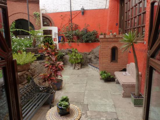La Casa Azul: Patio interior