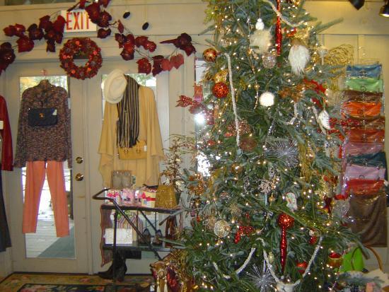 Cashiers, Carolina del Norte: Christmas at Victoria's Closet
