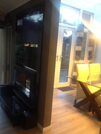Lounge/Dining