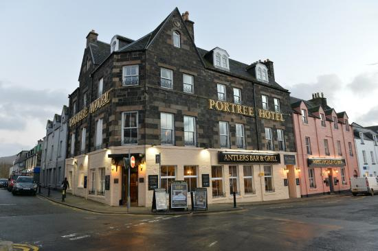 Portree Hotel (Somerled Square.)
