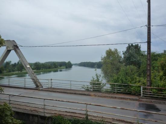 Vue de la terrasse sur la piscine et la sa ne picture of for Chambre de commerce villefranche sur saone
