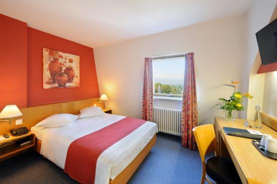 Hotel Aulac : Chambre double avec vue sur le lac