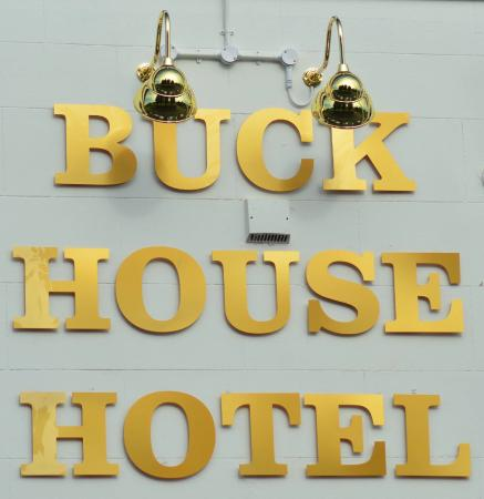 Buck House Hotel Bangor On Dee Wrexham