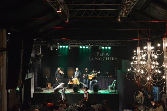 Pena La Nochera de Kike Teruel : show