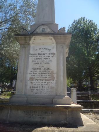 Toowong cemetery brisbane australien anmeldelser for 207 birdwood terrace toowong