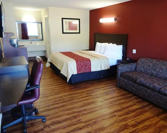 Red Roof Inn Starkville   University