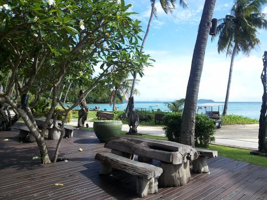 ShowUserReviews g d r Phi Phi Island Village Beach Resort Ko Phi Phi Don Krabi Province.