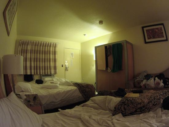 Stay Suites of America: Room