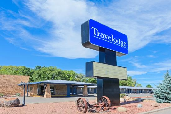 Travelodge Cortez: Entrance Sign