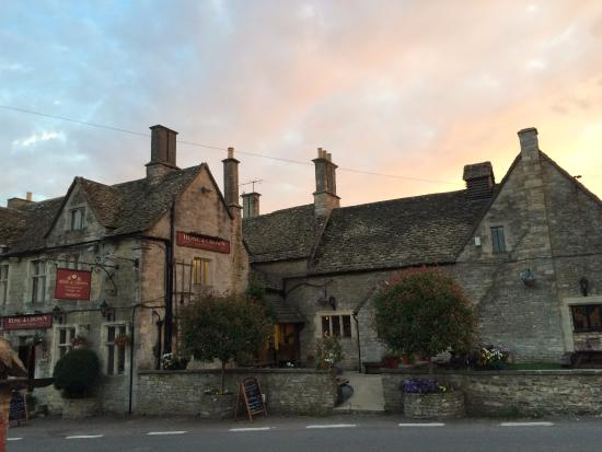 Nympsfield, UK: Sunset at the Rose and Crown