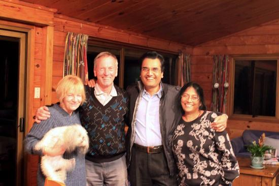 Callies Bed & Breakfast: Owners Jenny & Bruce with Debashish & Shakuntala