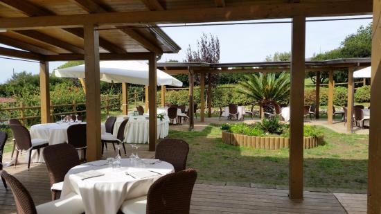 Zona aperitivo foto di ristorante giardini di kyme pozzuoli