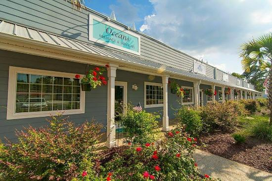 Ocean Isle Beach, Carolina del Norte: The Holistic Anti-Aging Spa is located inside Oceans Massage & Skin Care