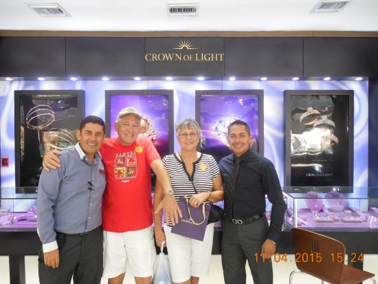 Costa Maya, Μεξικό: Jose Luis and Cesar with us at Diamond's International.