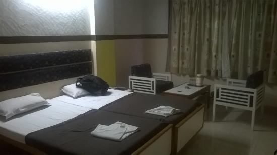 Sarovar Hotel: room