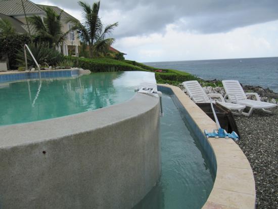 Bodden Town, Wielki Kajman: Love this pool !