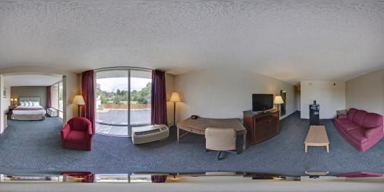 Rodeway Inn & Suites Shreveport: Suite Guest Room