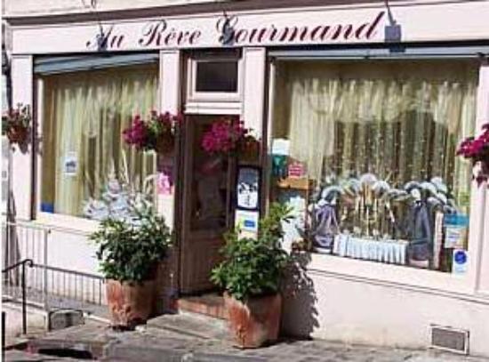 Epernon, Frankrijk: Façade extérieure