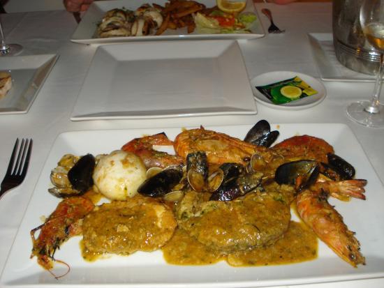 Castelldefels, España: gemischte Fischplatte
