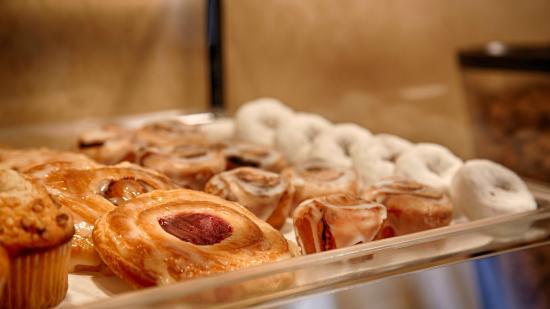 BEST WESTERN Longview: Complimentary Full HOT Breakfast Buffet served Daily