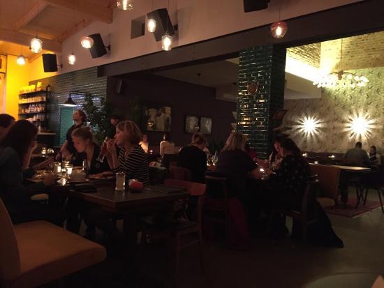 weihnachtsbaum vorm restaurant bild von kaiserbad. Black Bedroom Furniture Sets. Home Design Ideas