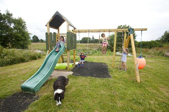 Ardrahan, Irlanda: play area